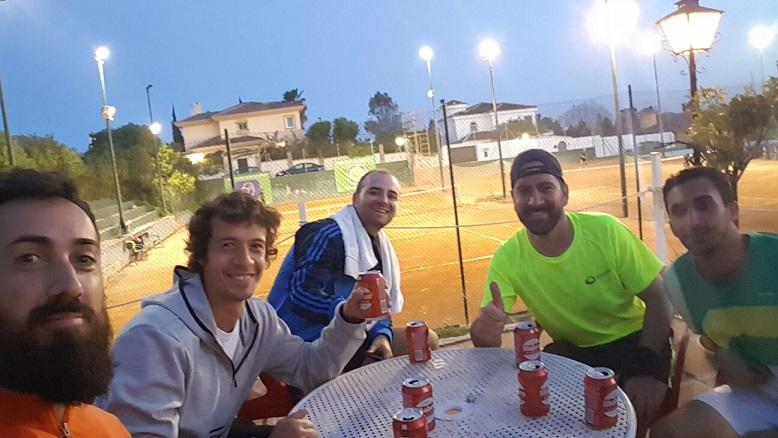 buen ambiente liga tenis malaga